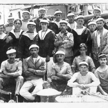 Un groupe de marins du